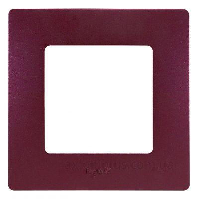 Изображение Legrand из серии Etika 672561 сливового цвета