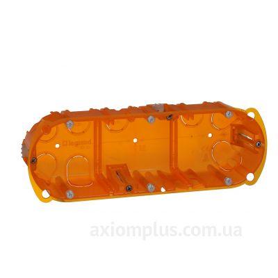Оранжевый подрозетник Legrand Batibox